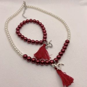 Burgundy white Faux Pearl horse Lovers Set